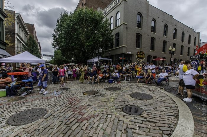 Laclede's Landing hosts many live music acts that are usually free to the public.