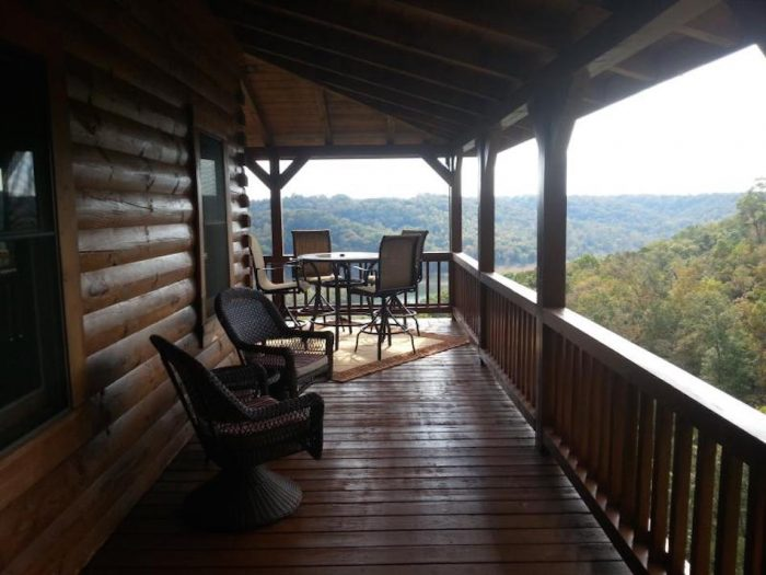 5. Look-Out-Lodge on Lake Cumberland, Russell Springs