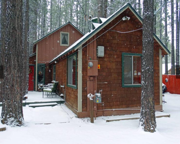 Bear Cabin Inn