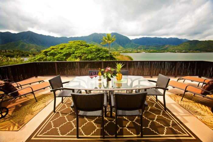 You can dine overlooking the breathtaking mountains...