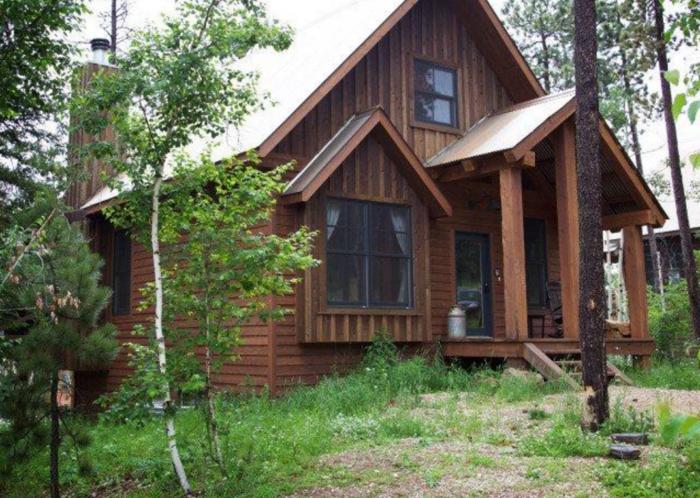10. Slingshot Lodge - Deadwood