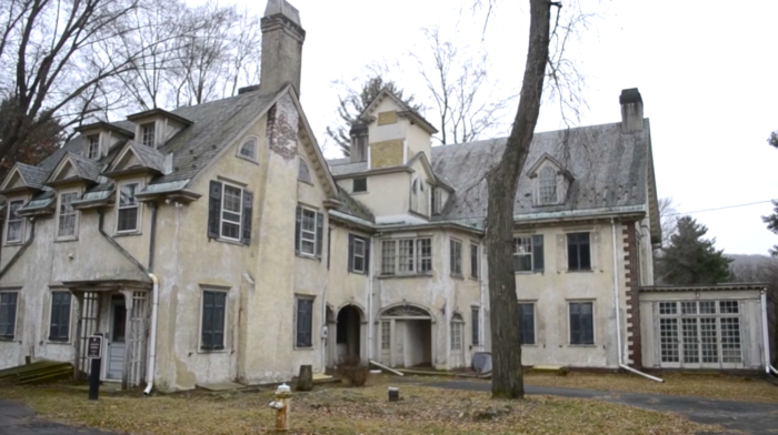 The estate was built in 1923 by Archibald Johnston, the first mayor of Bethlehem and an executive at the Bethlehem Steel Corporation.