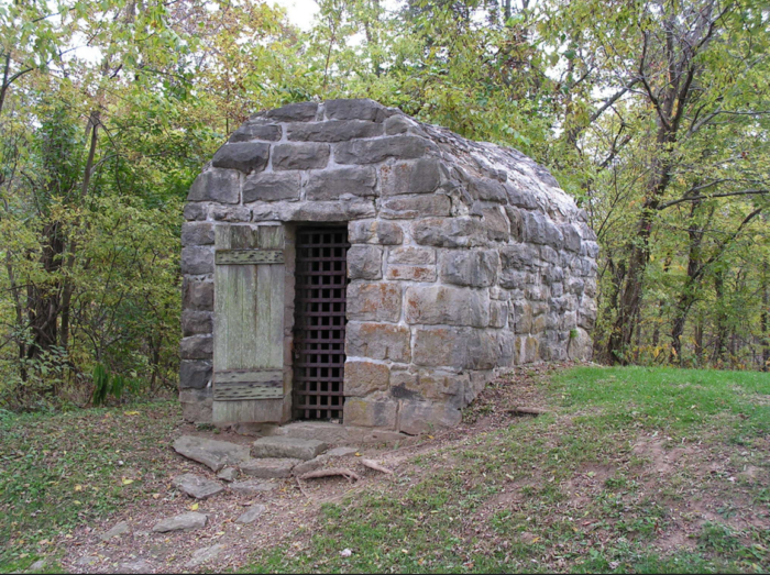 You may even come across this old jail, which remains intact from over 100 years ago.