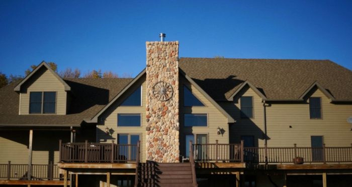 The beautiful, rustic lodge has many different options for different types of stays.