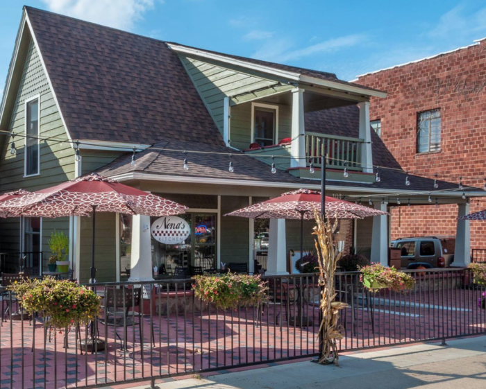 Nearly 2 years ago, Julie Harmon traded in her real-estate license for a restaurant license and took over Nona's Kitchen.