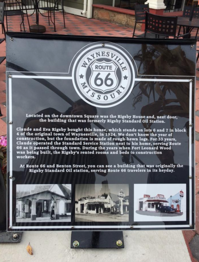 It sits right along the historic Route 66, making it extremely convenient for out-of-town diners just passing through town.