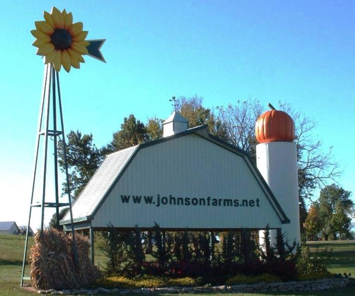 6. Johnson Farms Plants & Pumpkins - Belton
