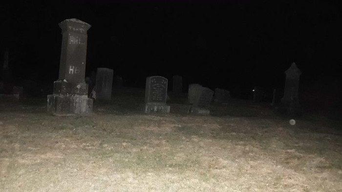 4. Gunntown Cemetery (Naugatuck)