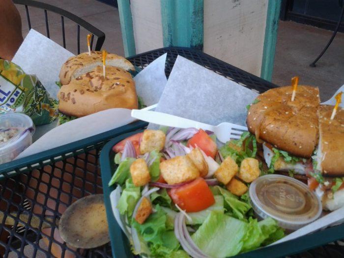11 unassuming restaurants in hawaii for Fish market maui