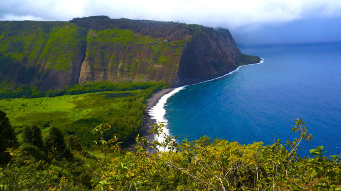 2. Visiting the Waipio Valley Lookout.