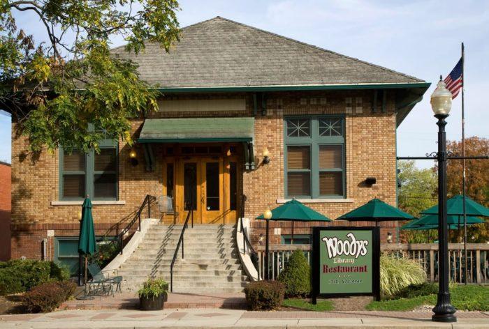 Woodys Library Restaurant