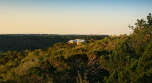 This Hidden Resort In Austin Is The Perfect Place To Get Away From It All