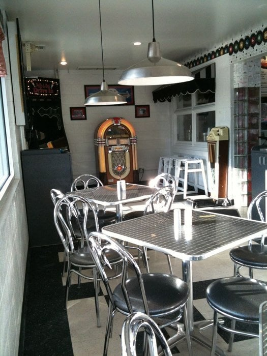 Even the dining room looks like a dining room from the 1950s--complete with a jukebox.