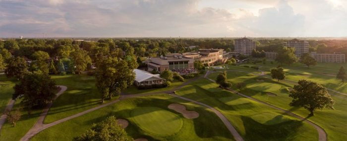 Who would have known that a championship golf course would be lurking so close to the city?