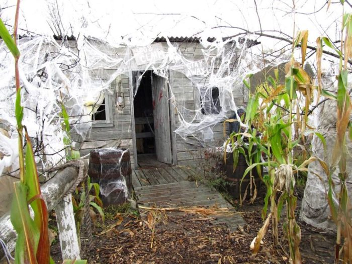 There are 8 different haunted houses to walk through.