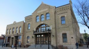 The Story Behind This Haunted Opera House In Wisconsin Is Truly Creepy