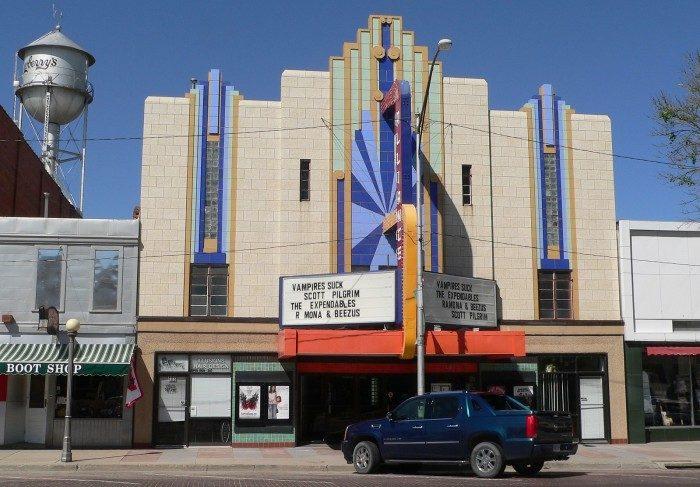 2. Alliance Theatre, Alliance
