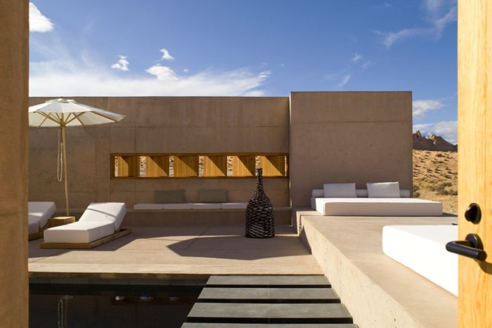 aman_amangiri_suite_breezeway_office_2610