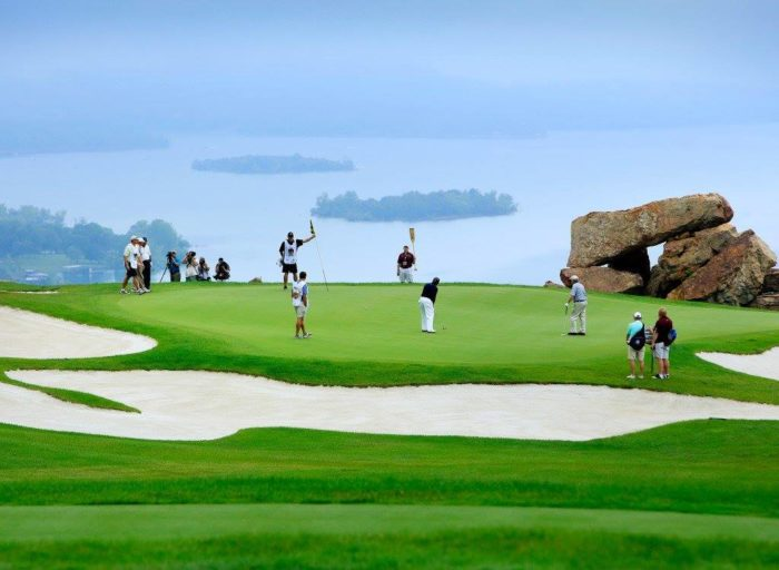 If you're up for a round of golf, you're in luck. Top Of The Rock, a nearby attraction, is home to one of the most beautiful golf courses in the country.