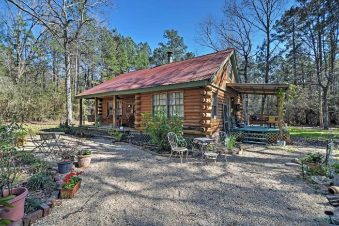 8) Clinton Cabin, Clinton