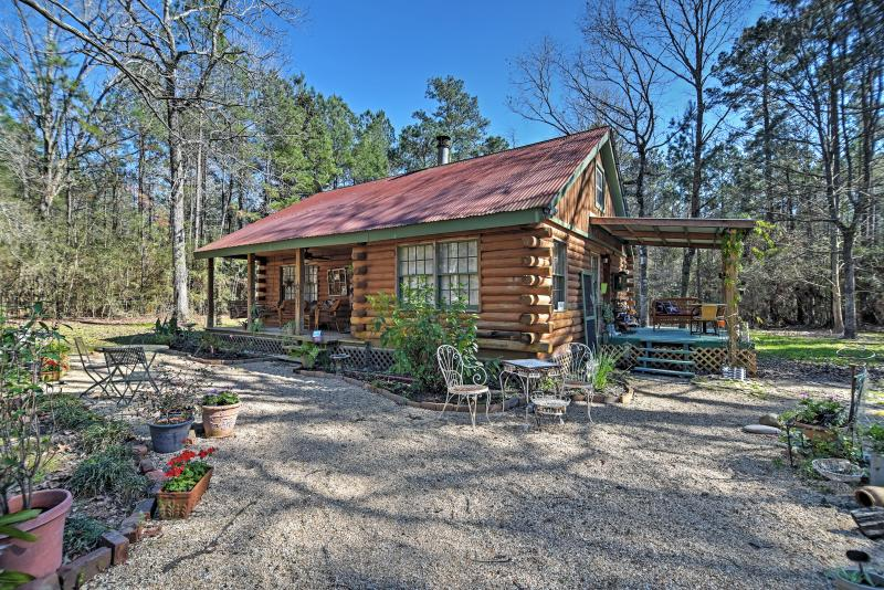 8 cozy cabins near new orleans you 39 ll want to stay in for Lake cabins for rent in massachusetts