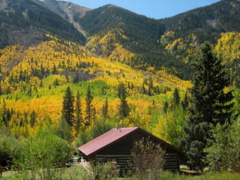 4. Mount Elbert Lodge and Cabins (Twin Lakes)
