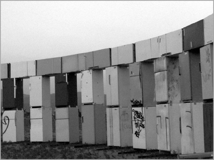 But back to Stonefridge. By 2007, the elements and vandalism had taken their toll and the installation, which some claim was always supposed to be temporary, was dismantled.