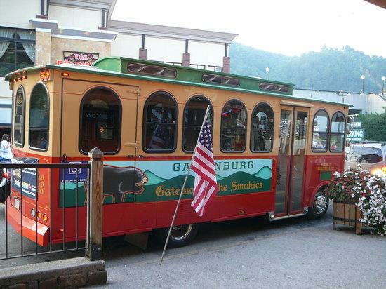 gatlinburg-trolley-2010