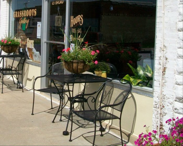 4. Humeston - Grass Roots Gallery & Cafe