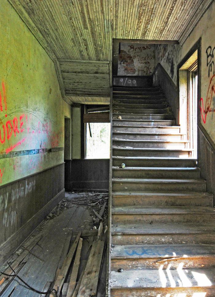 6. The old Lando schoolhouse