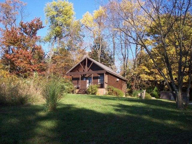 5. Sunset Ridge Log Cabins (Danville)