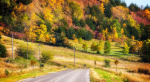 10 Country Roads In Iowa That Are Pure Bliss In The Fall