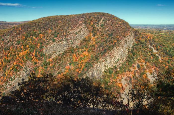 1. Mount Tammany, Knowlton