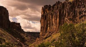 The Unrivaled Canyon Hike In New Mexico Everyone Should Take At Least Once