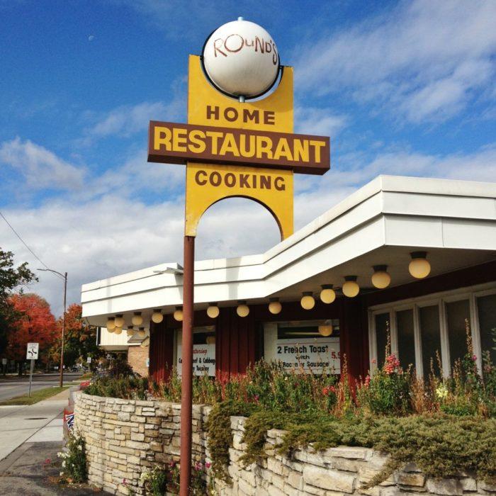 4. Rounds Restaurant (1033 E Eighth St, Traverse City)