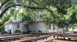There's A Restaurant On This Remote Farm In Austin You'll Want To Visit