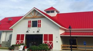 There's A Charming Restaurant On This New Hampshire Farm That You'll Want To Visit