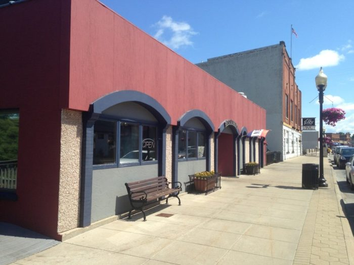 8. Boathouse Grill (440 River St, Manistee)