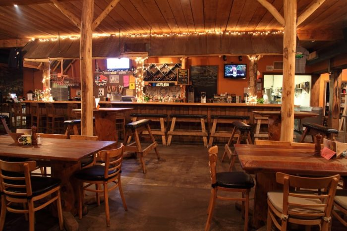 This Log Cabin Restaurant In Maryland Is Delightfully Charming