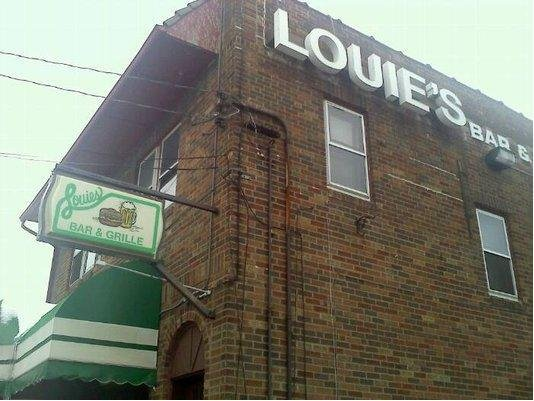1. Louie's Bar and Grill (Akron)