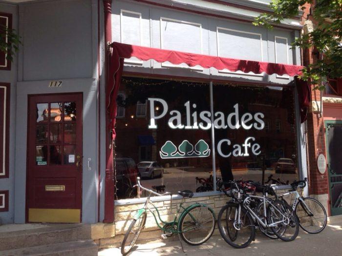 1. Mount Vernon - Palisades Cafe