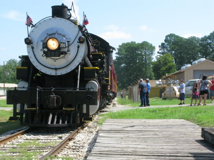 So if you want to eat good food while relaxing in an old-fashioned train car with beautiful fall foliage lining the road, look no further than the Texas State Railroad.