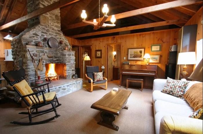 5. Charming Cabin, Stockbridge