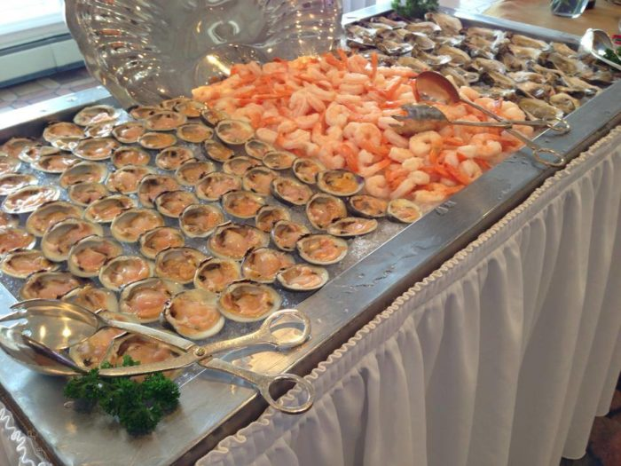 Diners will find a fresh seafood bar, chef's carving station, hot chafing dishes, made to order Belgian waffles, pizza and pasta stations, chilled platters, soups and salads.
