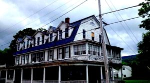 These 7 Haunted Houses Across America Are So Terrifying You Have To Sign A Waiver To Enter