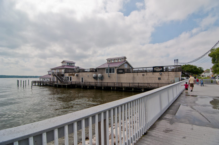 You will find some of the freshest and most delicious seafood in the entire area and you may even be able to find a restaurant with a stunning view.