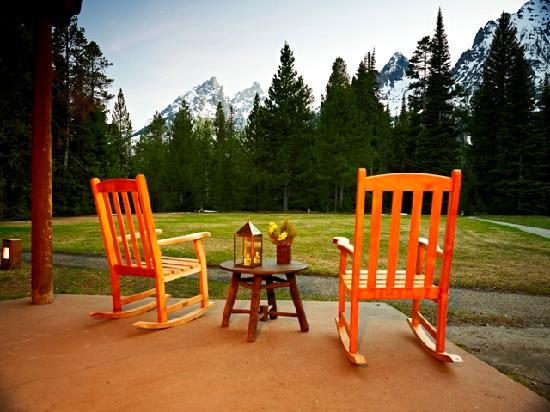 standard-cabin-patio