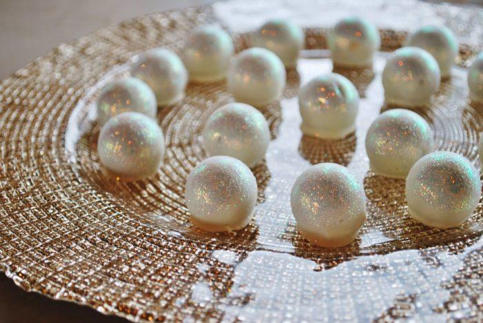 Their signature pearl truffles (dark ganache, white chocolate, iridescent glitter) are a fan favorite.