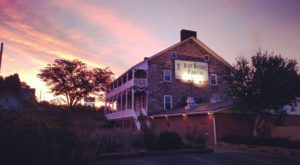 You'll Never Forget Your Visit To The Most Haunted Restaurant In Pennsylvania