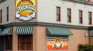 12 Classic Restaurants In Ohio That Every Local Must Experience At Least Once